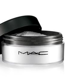 R$95.  Para dar um acabamento a maquiagem . isponível em uma cor universal que combina com todos os tons de pele. Usar por cima da maquiagem ou na pele nua e hidratada.