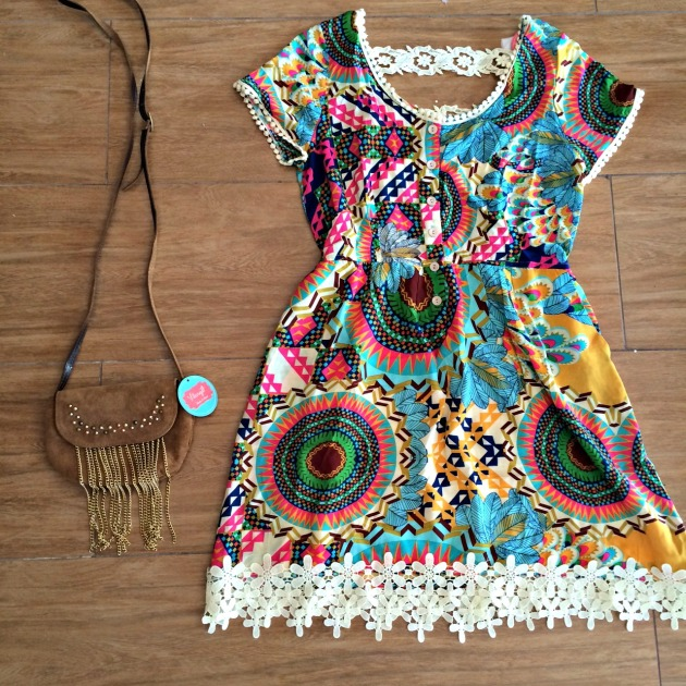 Vestido Tamanho 38 - R$179,00 (Disponível 40 fundo rosa) Bolsa R$59,00