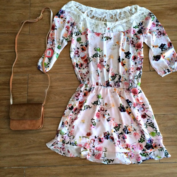 Vestido Tamanho M - R$169,00 Bolsa R$59,00